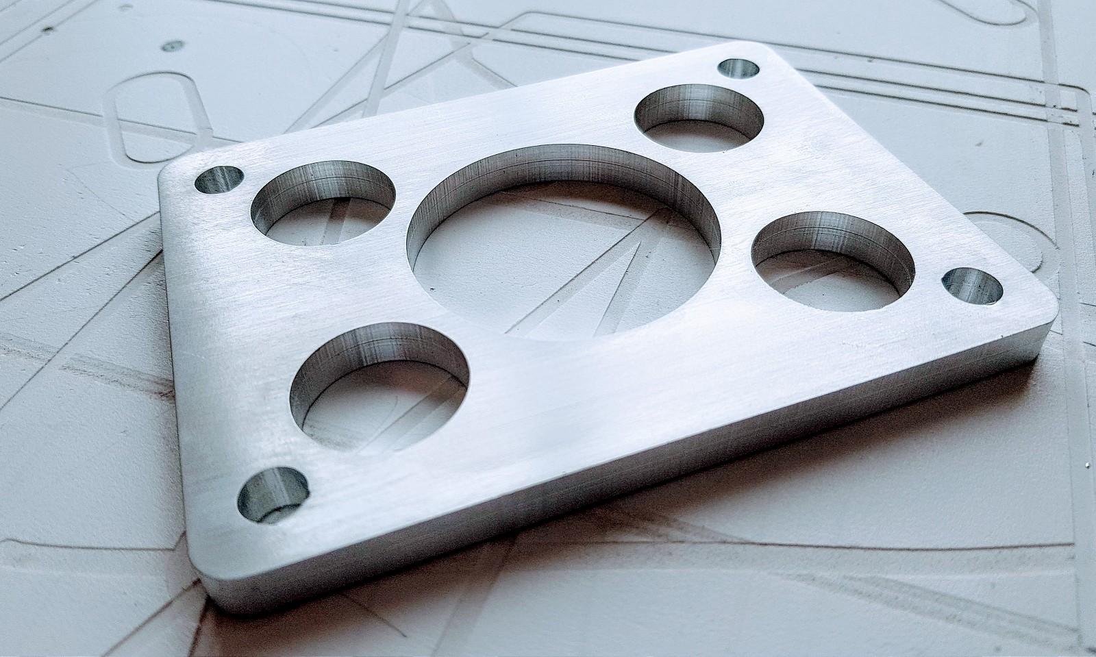 CNC frézování AL bloku 10mm